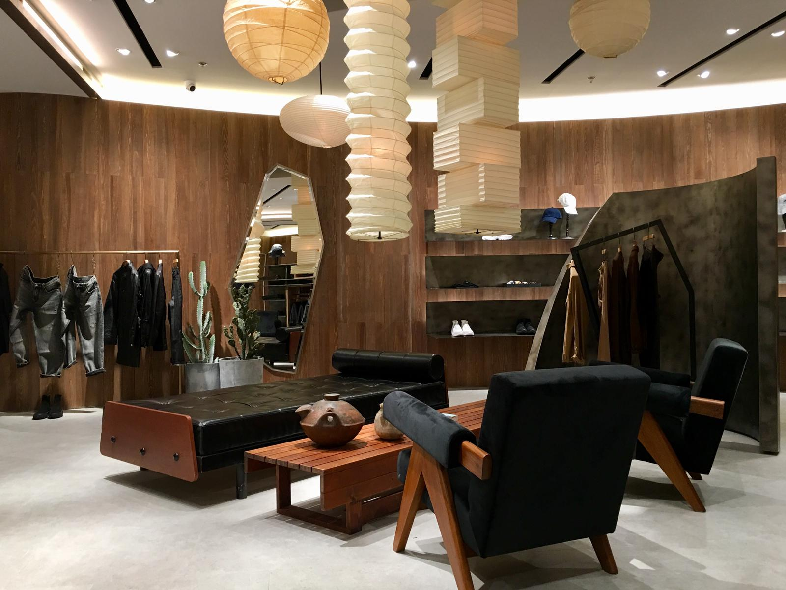 initial fashion MENS  – Shanghai Concept Shop –