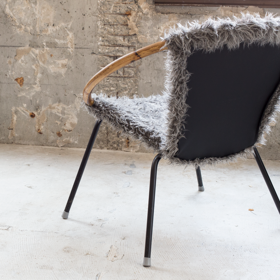 Fur Easy Chair with Banboo Armrest