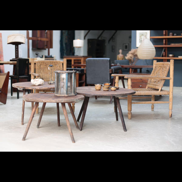 アンティーク ルーマニア 丸テーブル 木肌