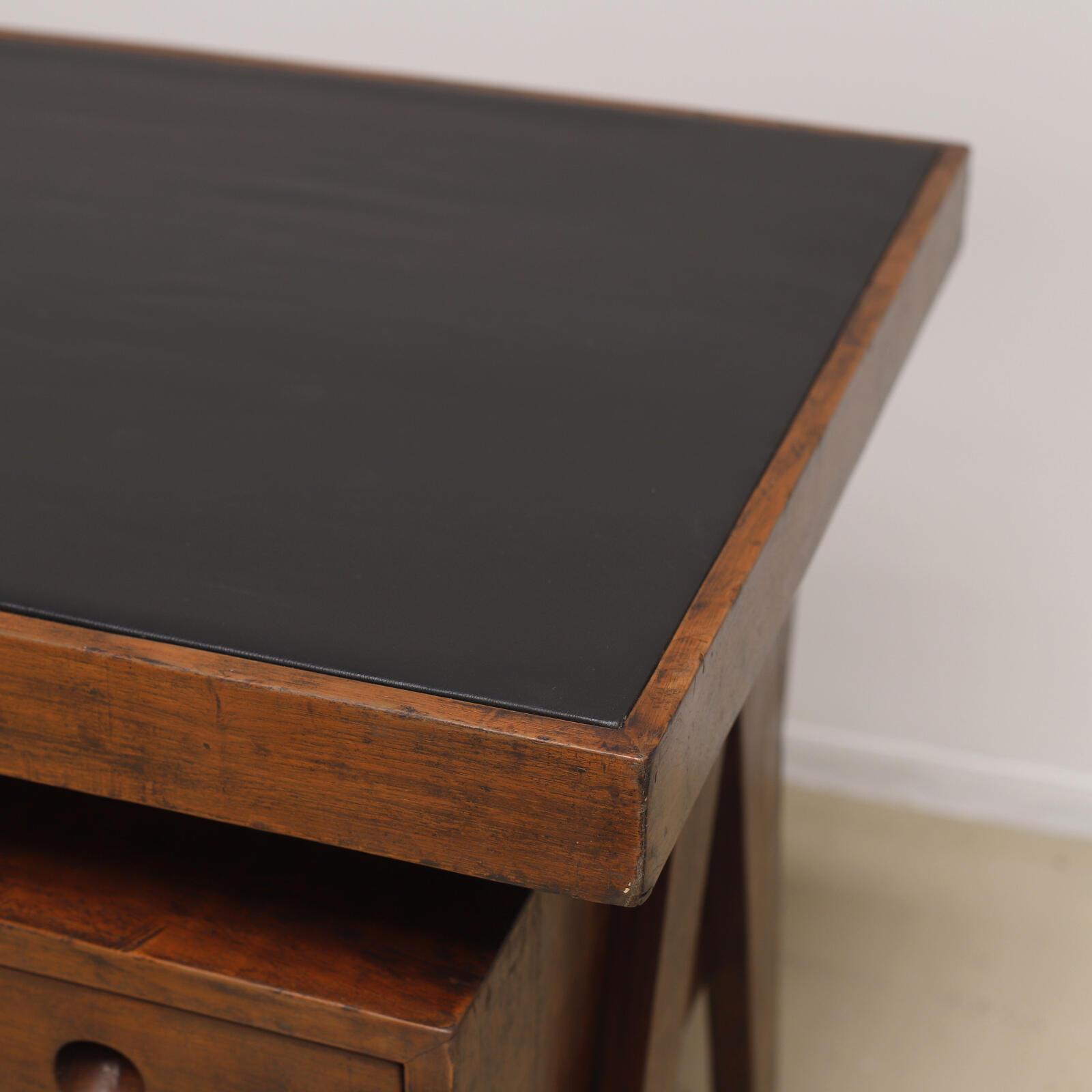 pierre jeanneret ジャンヌレ デスク テーブル