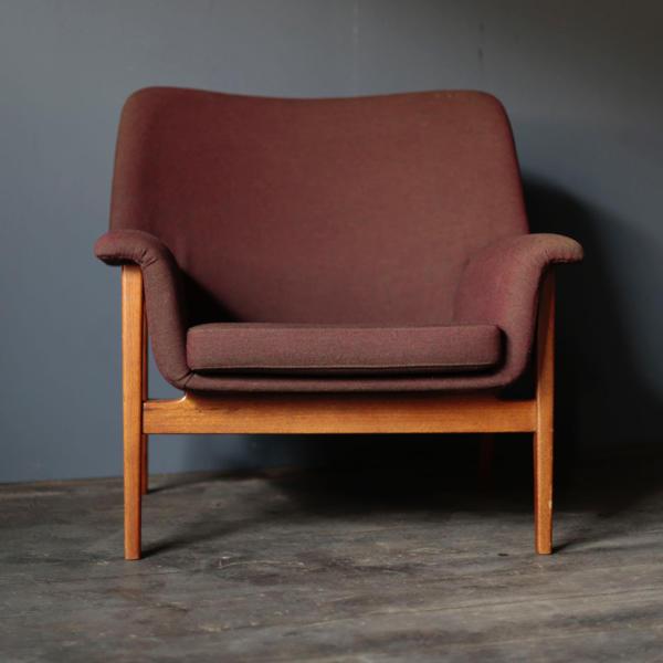 isamu kenmochi sofa