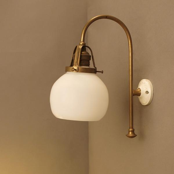 真鍮パイプ ブラケットランプ