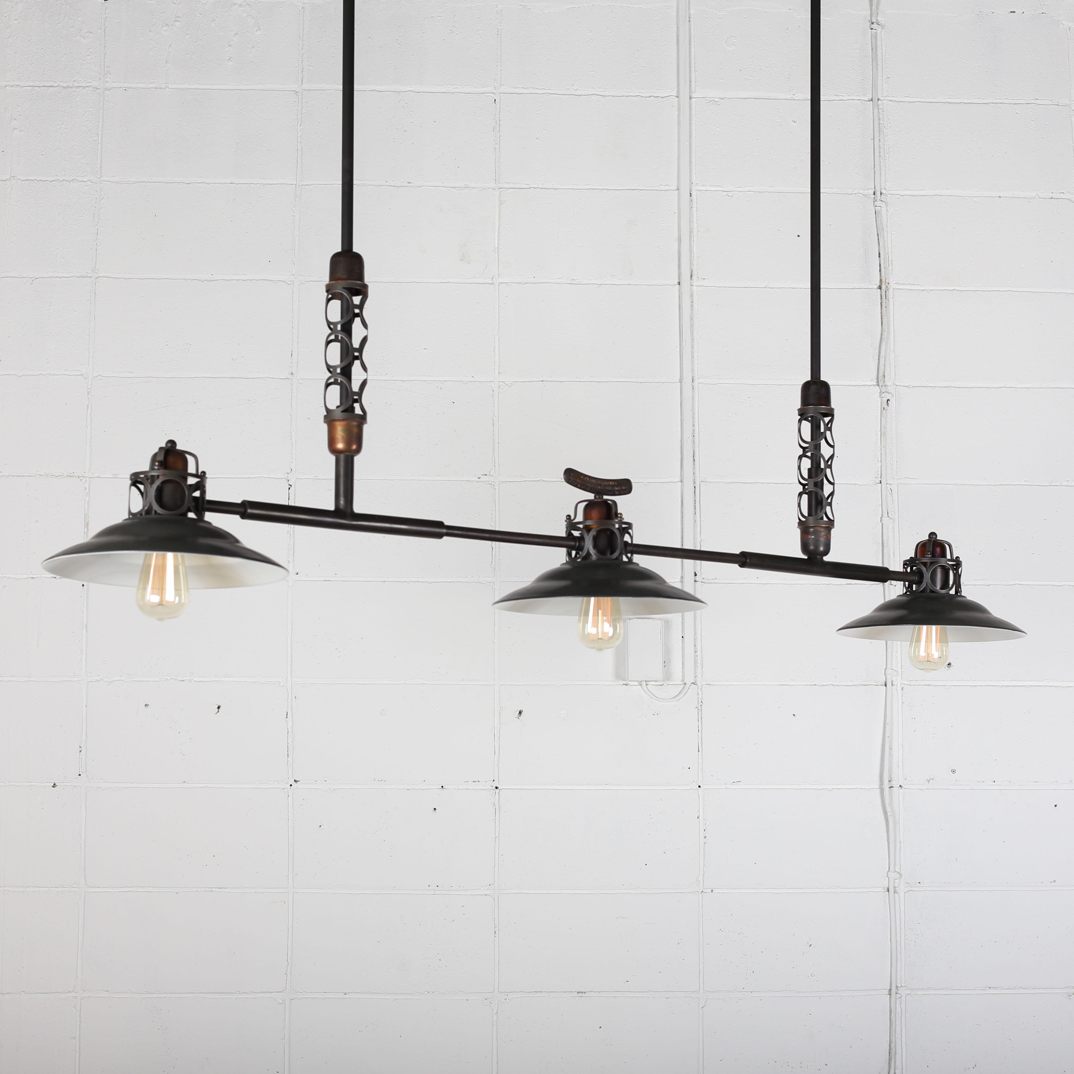 三連ランプ