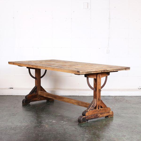ドラフティングテーブル