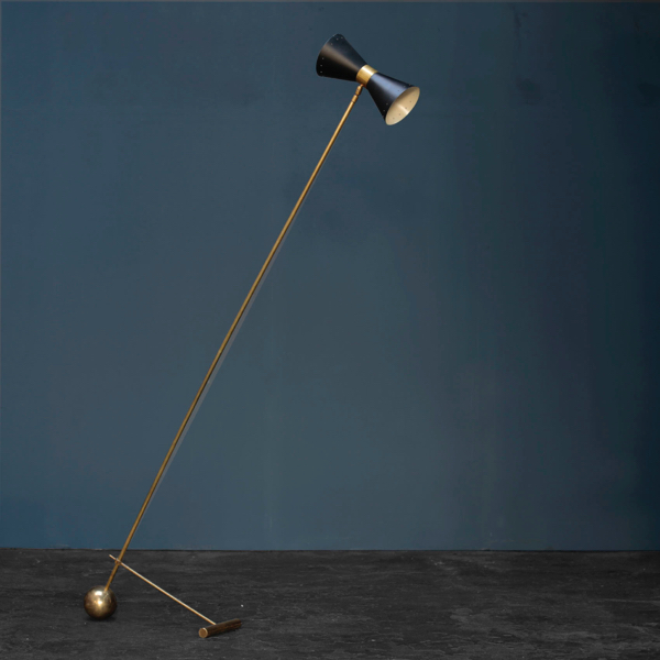 Mid-Century Modern Italian Brass and Black Floor Lamp by Stilnovo
