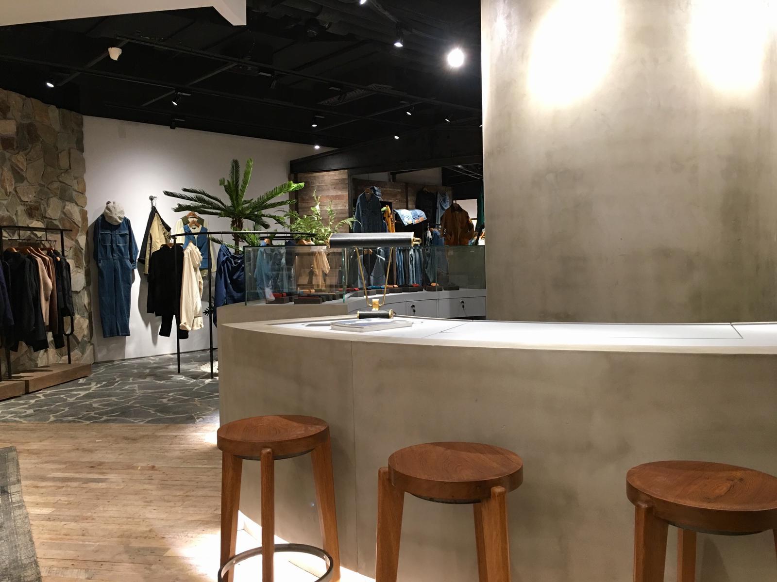 initial fashion MENS  – Shanghai Concept Shop –