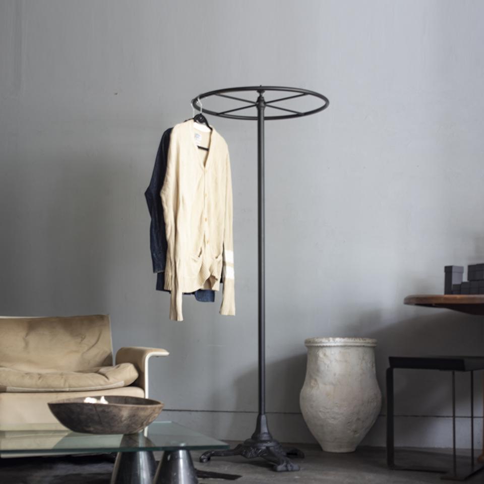 Napoleon III style circle hanger rack